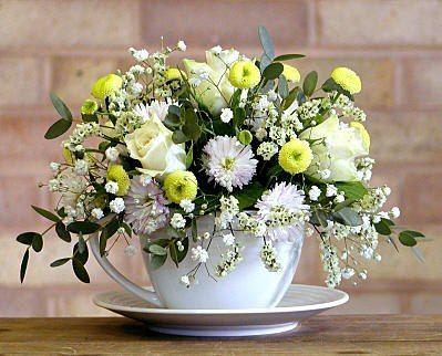 Композиции и корзины с цветами | 20 фотографий