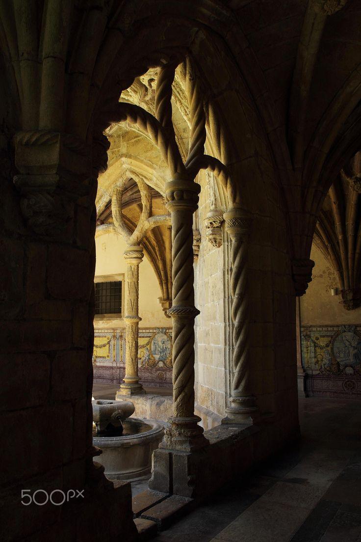 Arch - Igreja de Santa Cruz, Coimbra, Portugal