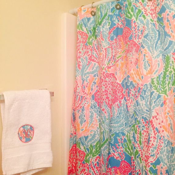 Lilly pulitzer monogrammed scallop hand towel personalized for Lilly pulitzer bathroom