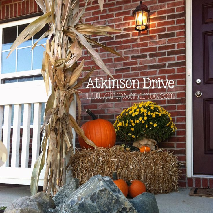 fall decorating | Outdoor Fall Decor. Need to get some cornstalks and a bale