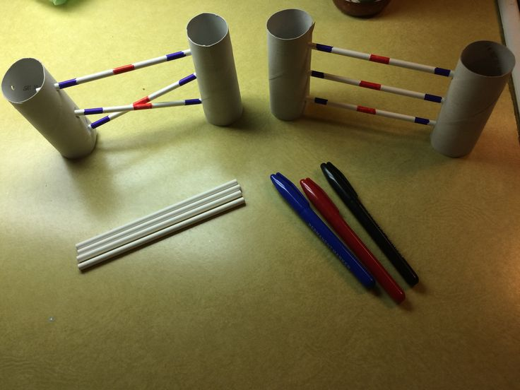 DIY Breyer Horse Model jumps: toilet paper rolls, cake-pop sticks, and markers. Easy 5 minute project!