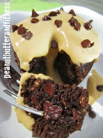 PEANUT BUTTER AND FITNESS: Skinny Chocolate Mug Cake with Peanut Butter Frosting