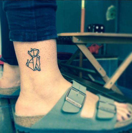 60 tatouages pour les amoureux des chats tattoo pinterest tattoos cat tattoo et geometric. Black Bedroom Furniture Sets. Home Design Ideas