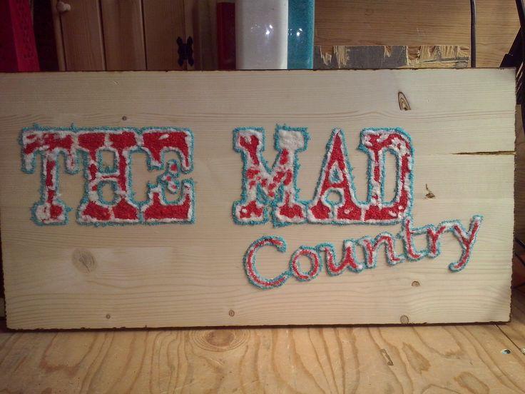 """""""The Mad Country""""  Asse di acero 60 x 35 cm  Sabbia colorata"""