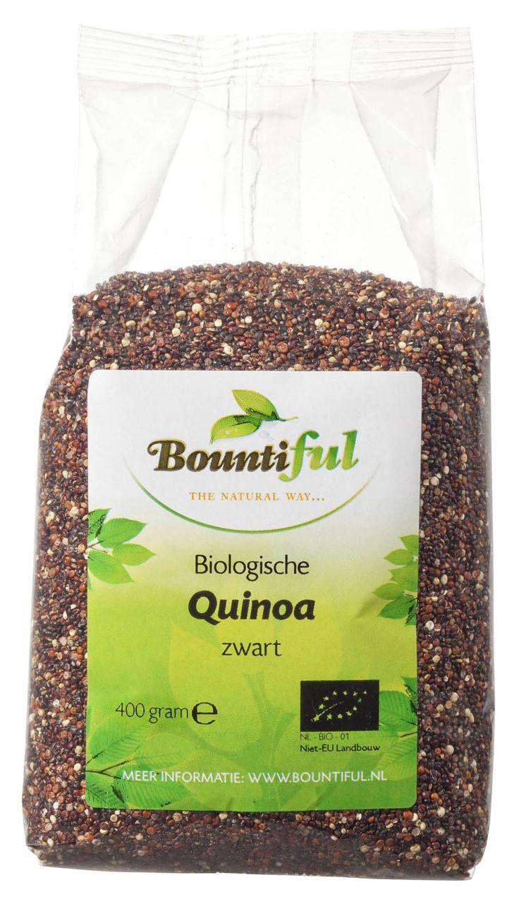 Quinoa zwart Bio. Lekker ipv rijst of in een salade, in pannenkoekjes, de mogelijkheden zijn eindeloos. Quinoa moet altijd eerst afgespoeld worden met water. Daarna kan je het koken. Pak voor 1 deel quinoa 2 delen water en laat het ongeveer vijf tot tien minuten koken. Daarna laat je het tien minuten staan met de deksel op de pan voordat je het verder verwerkt. Er zijn verschillende soorten quinoa te krijgen: rood, zwart, groen en blank. Het smaakt allemaal hetzelfde.
