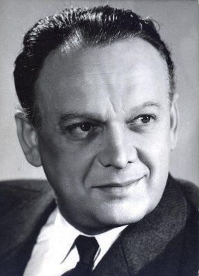 Básti Lajos (1911-1977) Kossuth-díjas magyar színész, főiskolai tanár. Őt tartják a 20. század egyik legszebben beszélő magyar színészének