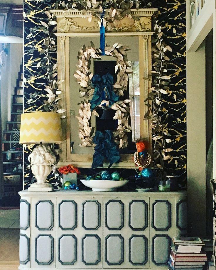 Tra-la-la-la................ | Interior design vignette ...