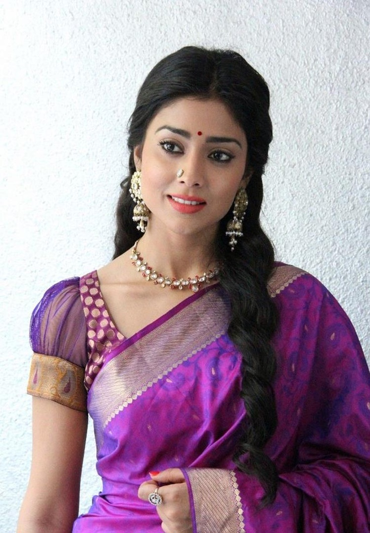 Actress Shreya/Shriya @ http://www.ModernRani.com