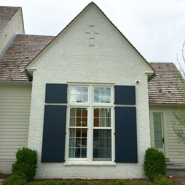 Best Cream House Navy Shutters Brick Exterior House Painted 400 x 300