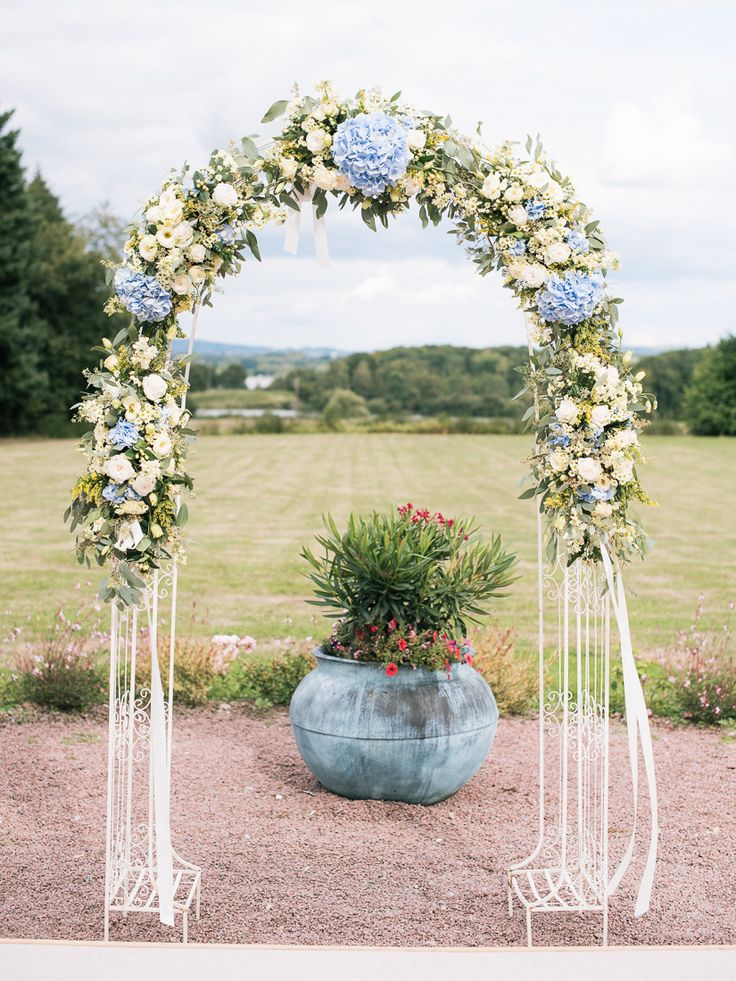 Floral Arch -  Image by Ian Holmes Photography