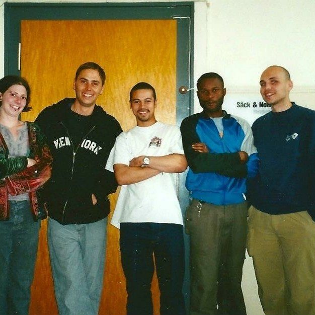 Throwback Friday. Never forget how it all started. This pic was way back in the late 90s. I remember wearing my oldest X-Large T-Shirt on the day I left the company and went onto new adventures when I moved to Amsterdam. This was in the very old former school building where the distribution was based. The good ol dayz. #saeckundnolde #s&n1992 #saeckundnoldedistribution #xlarge #spiewak #phillies #silas #holmes #bochum #oldcrew #thankful #streetwear #rapx #sabrina #manni #dimmy75 #albert…