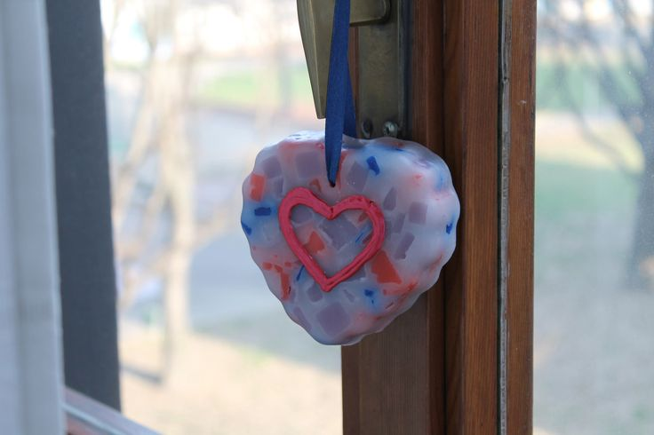 https://flic.kr/p/DfYd5j | MARBLE HEART TO HANG – MADE OF WAX | Marble – cobalt blue, bright red, white and wisteria colours – heart to hang. It's made of wax; 100% natural essential oil with peppermint fragrance. It has milled sides and it's decorated with some freehand details in 3D. It's adorned with a dark blue ribbon. It's suitable for all rooms and events. Size: 100 x 90 mm.  Handmade.  Read more:   www.ilmiomondoincera.com