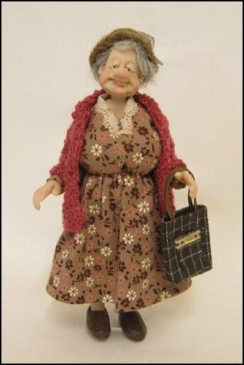 ✿ڿڰۣ(̆̃̃•Aussiegirl Granny Doll.