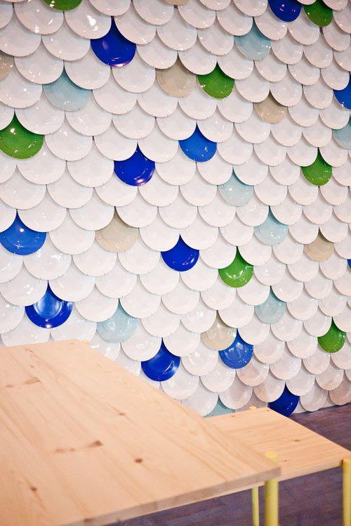 fun plate instillation! #designeverydayColors Parties Plates, Plates Installations, Wall Plates Decor, Wall Treatments, Plates Wall, Plate Wall, Interiors Design Pattern, Scallops Pattern, Paper Plates