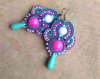 Bonbons - boucles d'oreilles de soutache lumière longue et mouvementée en fuchsia et turquoise, pendientes soutache, orecchini soutache