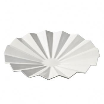 Venetsia bowl manufactured by Arabia Finland. Looks like paper origami.