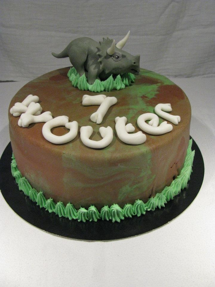 17 Best Images About Dinasours Cake On Pinterest