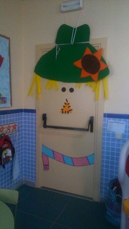 Decoracion de puerta para clase de Ed. infantil