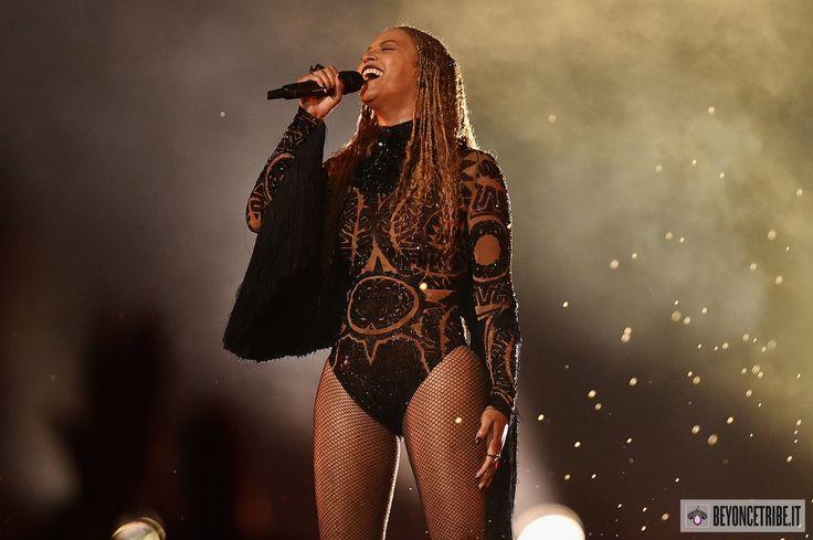 Beyonce-2016-BET-Awards-10