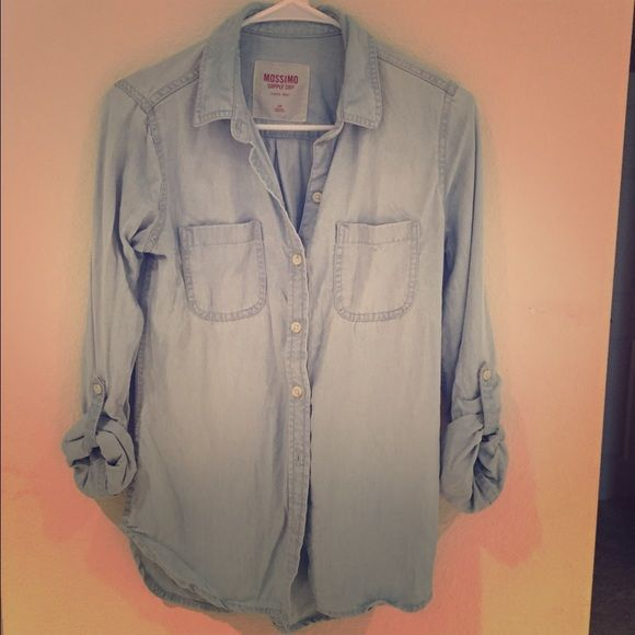 Light Blue button up shirt Super cute button up made my Mossimo! I love this look! Mossimo Supply Co Tops Button Down Shirts