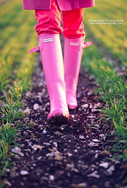 sweet pink: Colors Combos, Boots Outfits, Fashion Shoes, Be A Girls, Hunters Rain Boots, Pink Hunters Boots, Girls Fashion, Girly Girls, Pink Boots