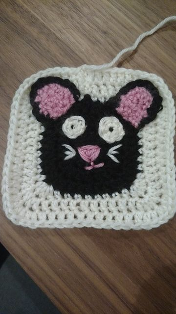 Baby Zoo Afghan Crochet Pattern : 25+ best ideas about The Bored Button on Pinterest Bored ...