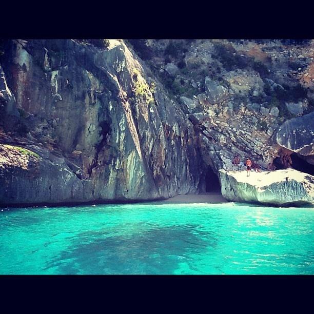 La splendida Cala Goloritzè   @sardegna_com on instagram
