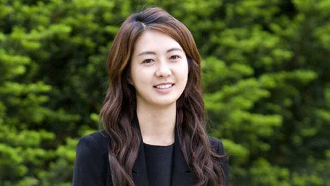 Actress Lee Yo Won has given birth to her 3rd Child | Koogle TV