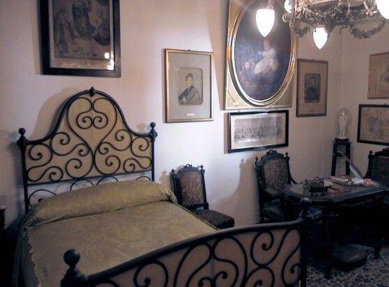 La camera dove dormiva Manzoni nei suoi soggiorni a Villa Arconati (Cassolnovo).