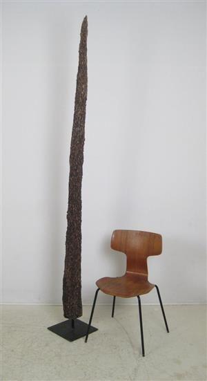 Lot: 4578667Skulptur eines Termiten Baumstamm