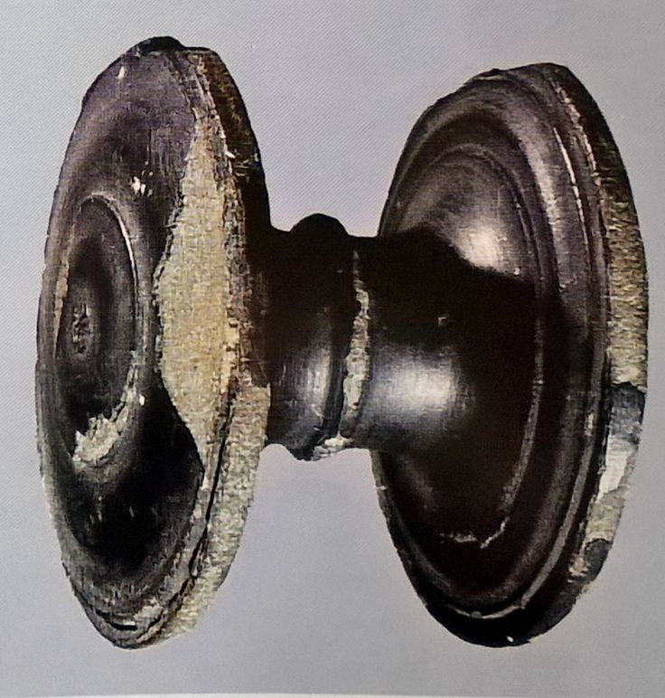 Bronze element from a Roman vessel