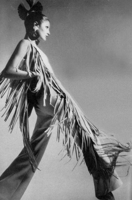 Richard Avedon for Vogue 1970 http://theyroaredvintage.tumblr.com/post/15594226065/photo-by-richard-avedon-for-vogue-1970
