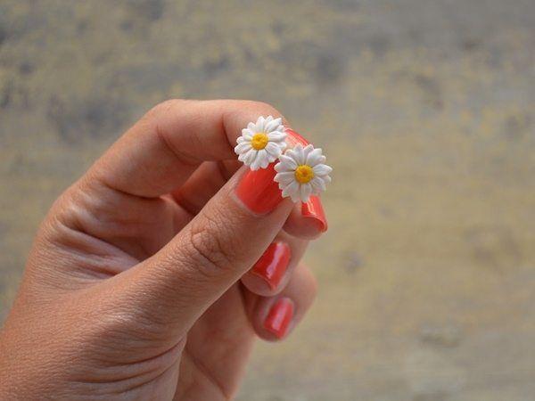 Handmade daisy earrings