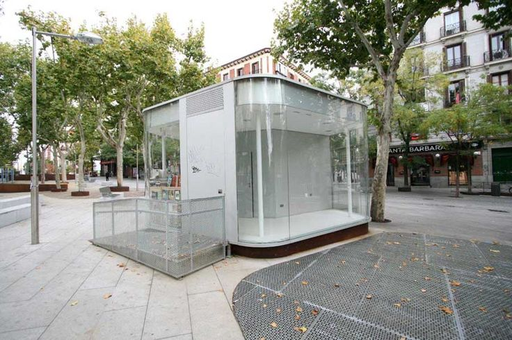 Madrid street kiosk c101110 900 600 for Architecture kiosk design