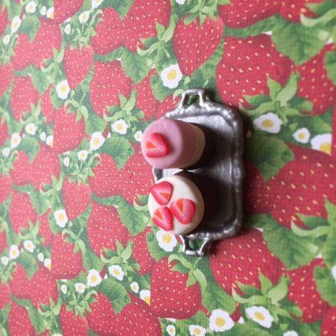 2 strawberry shortcakes on tray by CarikubeCafe on Etsy
