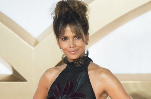 https://www.biphoo.com/celebrity/halle-berry/news/halle-berry-karrueche-tran-more-stars-show-off-underwear-in-see-through-outfits