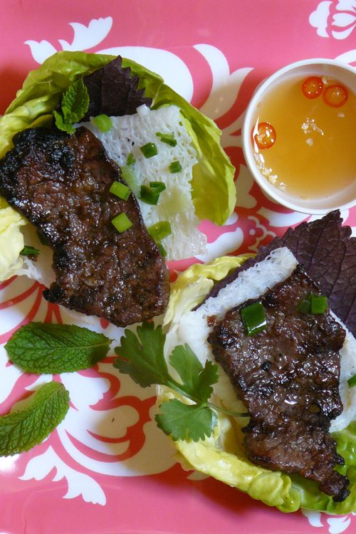 Banh Hoi (Vietnamese Rice Noodles with Beef) - Banh hoi are not eaten on their own, but rather as an accompaniment to rich, flavorful morsels, such as slices of this easy-to-prepare grilled beef. Vietnamese people love to bundle up food in lettuce and fresh herbs, which is exactly how this dish is enjoyed. #grilling