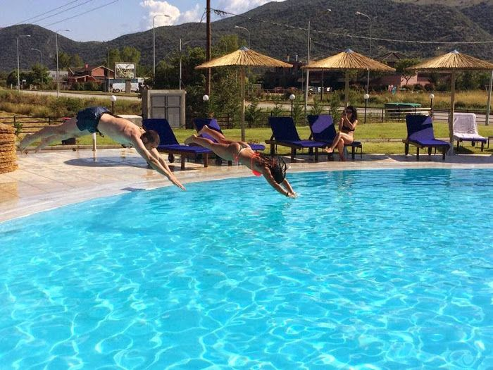 Φύσηξε άνεμος Καλοκαιριού και αρχίσαμε τις βουτιές από τώρα... Εσείς το σκέφτεστε ακόμα? Στοιχηματίζουμε πως έχετε ήδη ξετρυπώσει το μαγιό σας...! #Summer2015 #OutdoorPool #Aarhotel #Boutiquehotel #Ioanninahotel #Ioannina #Epirus #Greece