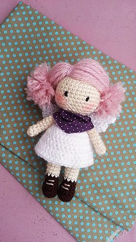 This pattern describes a cute and simple little angel, can be a toy, a gift or used as decoration.