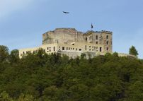 Das Hambacher Schloss mit den Neu- und Umbauten von Max Dudler