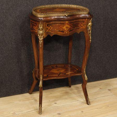 1250€ French inlaid sewing table. Visit our website www.parino.it #antiques #antiquariato #furniture #antiquities #antiquario #comodino #inlay #inlaid #tavolino #sidetable #table #decorative #interiordesign #homedecoration #antiqueshop #antiquestore
