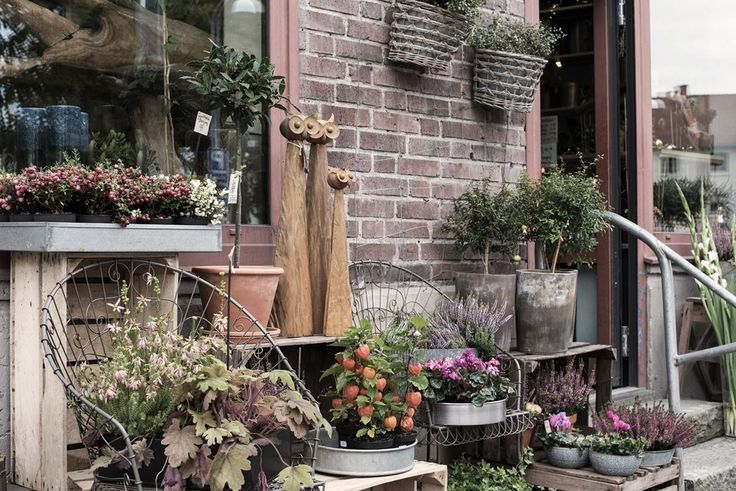 Fredagsbuketten inhandlas på Mariaplans florister!. Älvsborgsgatan 32 - Bjurfors