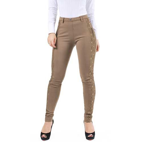 Resultado de imagem para modelo calça feminina