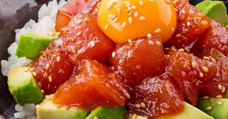 コク旨たれ☆まぐろとアボカドのユッケ丼 by イオン 【クックパッド】 簡単おいしいみんなのレシピが280万品