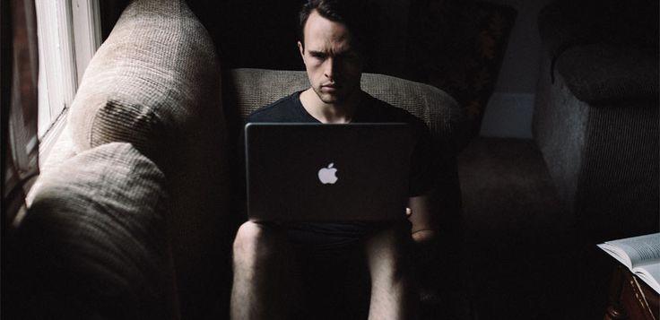 Bullying online: ce este și cum îi facem față. Sfaturi utile de la experți
