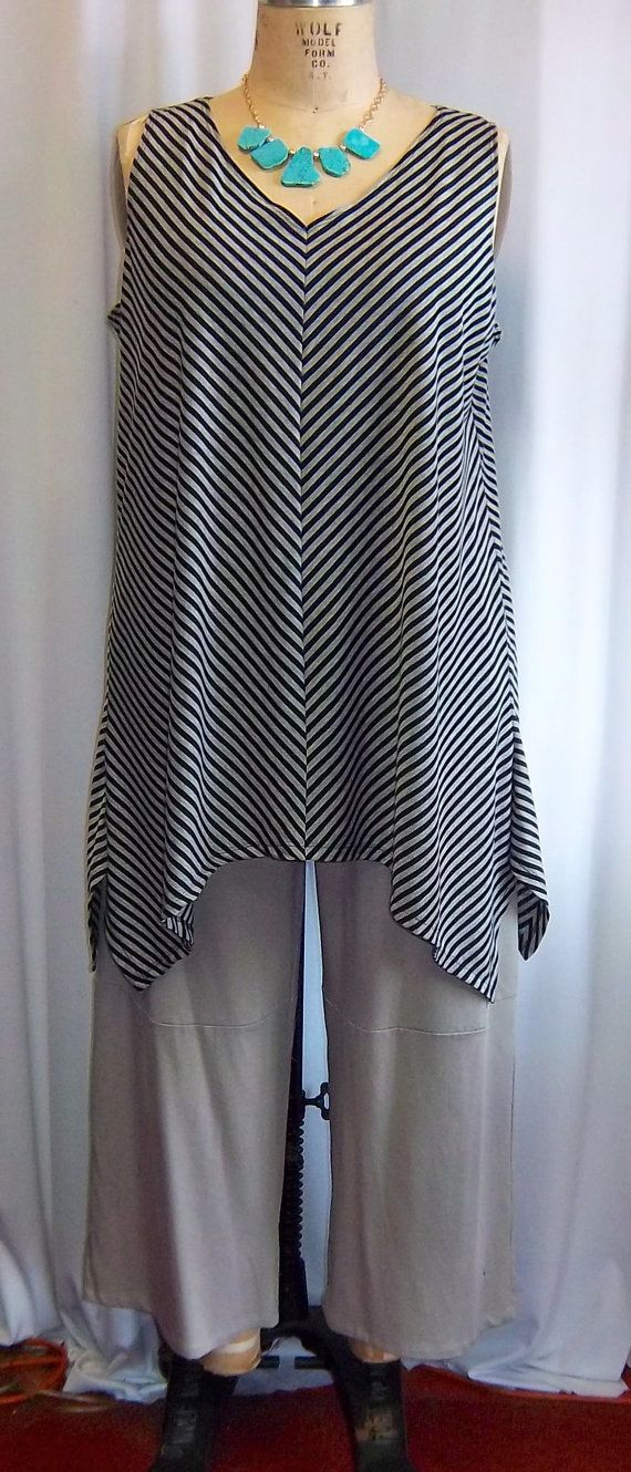 Coco and Juan Lagenlook Plus Size Wide Stripe Bias Angled Tunic Tank Top Size 2 Fits 3X,4X  Bust  to 60 inches