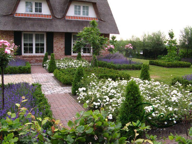 Formele voortuin in bloei landelijke tuin pinterest tuin - Landschapstuin idee ...