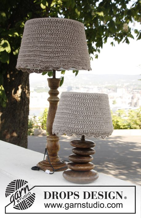 """Free pattern: Crochet DROPS lamp shade covers in """"Nepal""""."""