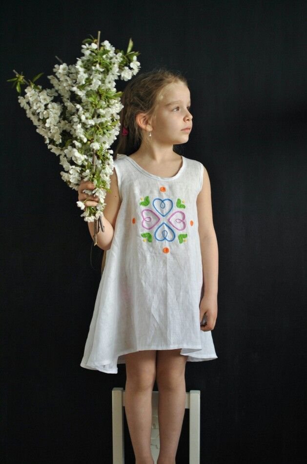 Linen embroidered dress www.heavenly.sk
