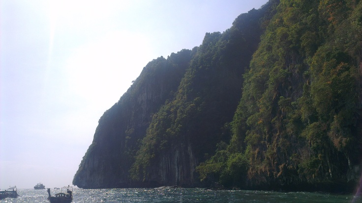 Cruising in & around Koh Phi Phi...